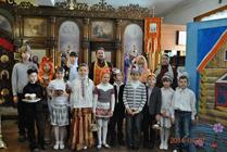 Воспитанники Воскресной школы поздравили прихожан храма с праздником Пасхи-Новости