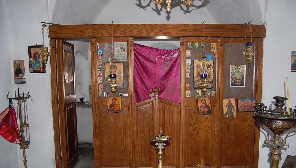 Храм - Панагия внутри