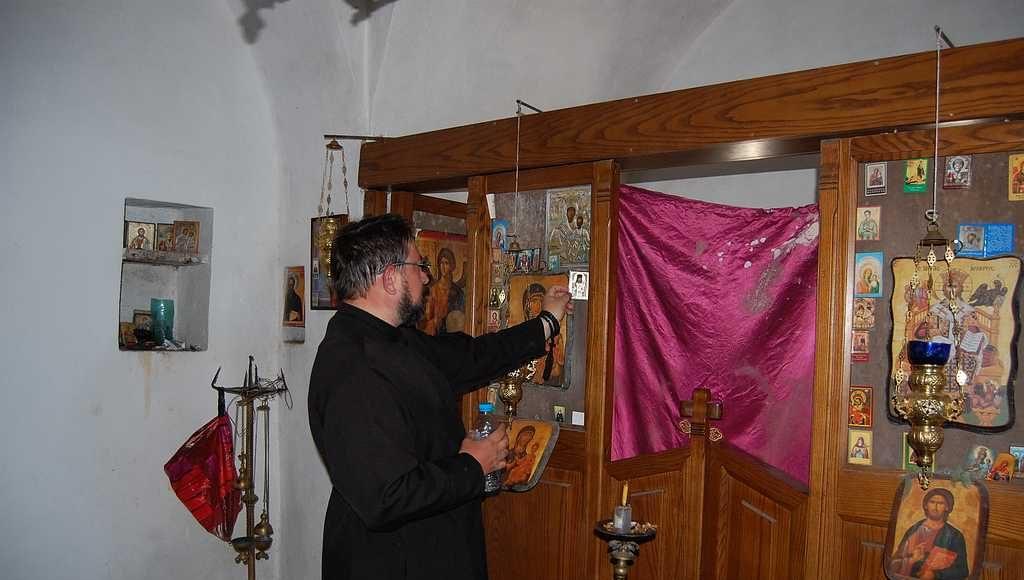 Оставляю иконку святителя Луки на молитвенную память