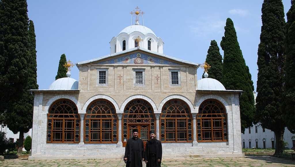 Я и о. Максим в Румынском монастыре